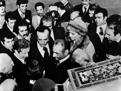 49081 232 فرار محمدرضا پهلوی از ایران + تصاویر