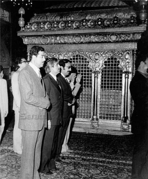 عکس / صدام در حرم امام رضا (ع)