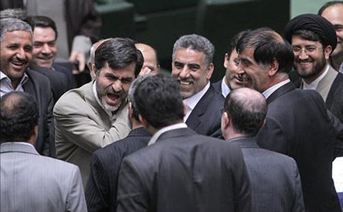 تصاویری از جرایم عکاسان خبری در مجلس!