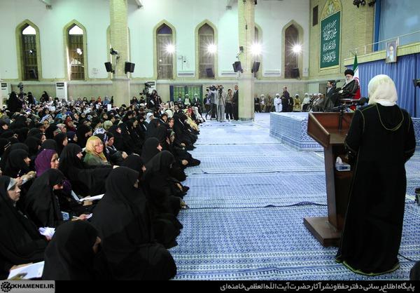(تصاویر) دیدار میهمانان اجلاس زنان و بیداری اسلامی با رهبر انقلاب