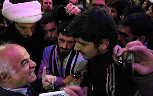 سینمایی امروز شبکه پویا تصاویر) جر و بحث جیرانی و انصارحزب الله
