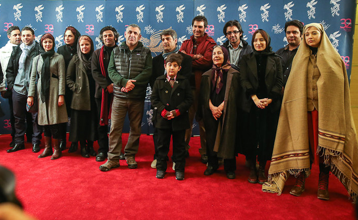 عکس/تیپ عجیب و غریب یک بازیگر زن در فرش قرمز جشنواره فجر