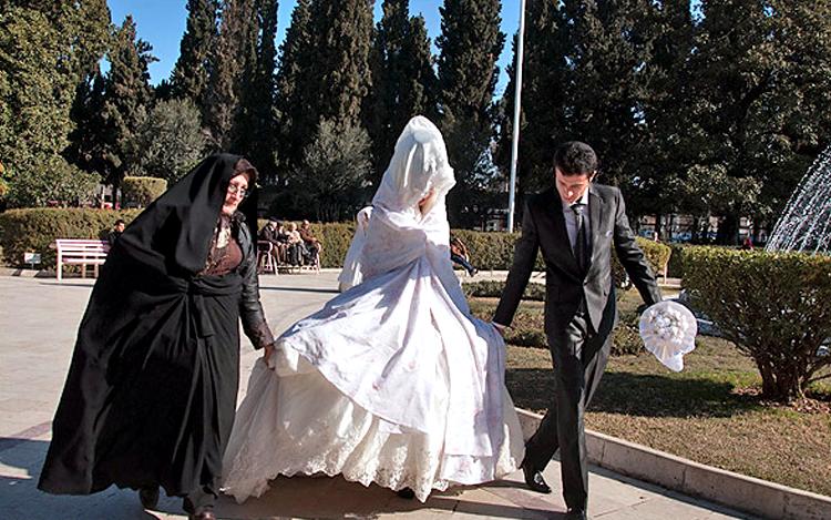 مشهد هزينه ازدواج آسان عرش نیوز - جشن ازدواج آسان به این میگن/تصاویر