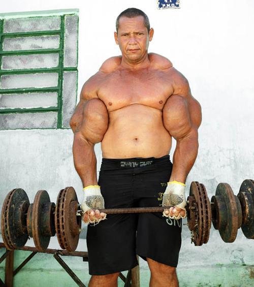 » مردی با بزرگترین دور بازوی جهان ! 1