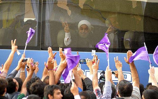69653 976  (تصاویر) روحانی در ارومیه و تبریز