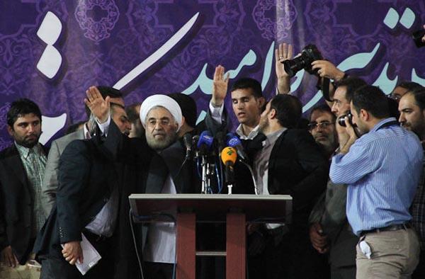 69657 629  (تصاویر) روحانی در ارومیه و تبریز