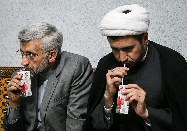عکس/ سعید جلیلی درحال ساندیس خوردن
