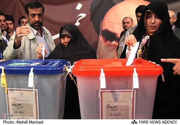 70313 147  (تصاویر) هاشمی و همسرش پای صندوق رای