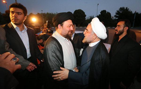 71031 266  (تصاویر) حسن روحانی در مرقد امام (ره)