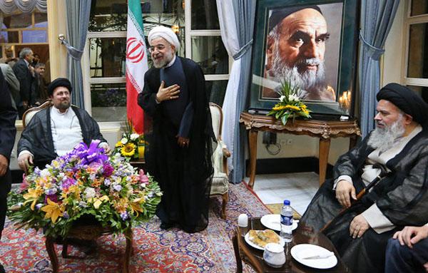 71046 884  (تصاویر) حسن روحانی در مرقد امام (ره)