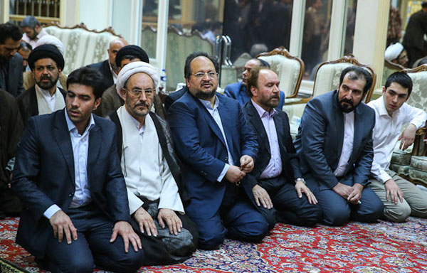 71050 313  (تصاویر) حسن روحانی در مرقد امام (ره)