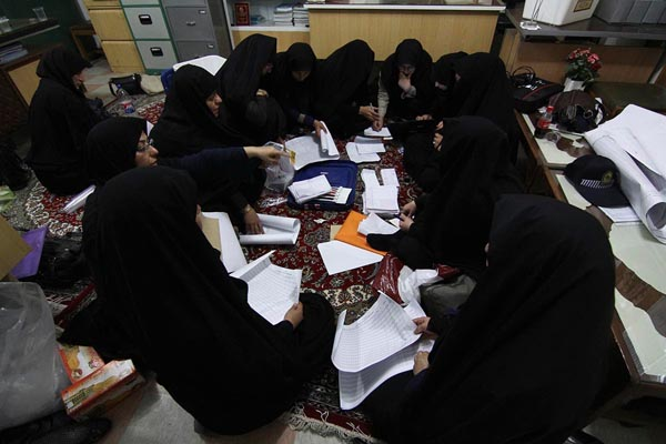 71187 840  (تصاویر) انتخابات ایران از چشم غربی