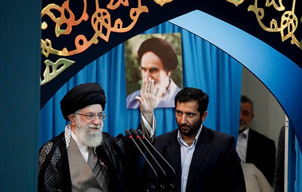 اقتصاد ایران آنلاین - نماز عید فطر به امامت رهبر انقلاب  تصاویر - نسخه قابل چاپ