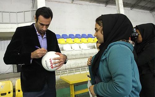 استقبال تحقیرآمیز از ملیپوش والیبال!+عکس