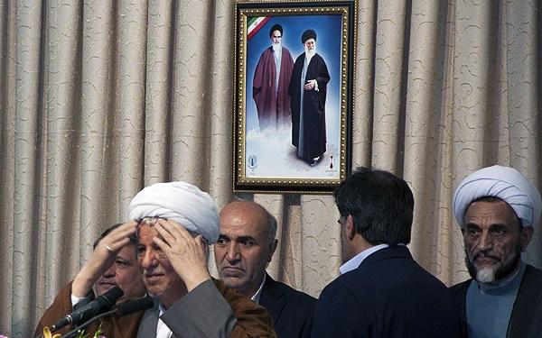 (تصاویر) اخلال در سخنرانی هاشمی