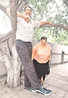بلند قد ترین مرد جهان