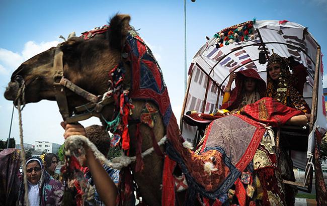 تصاویری از رسم و رسوم عروسی ترکمنها
