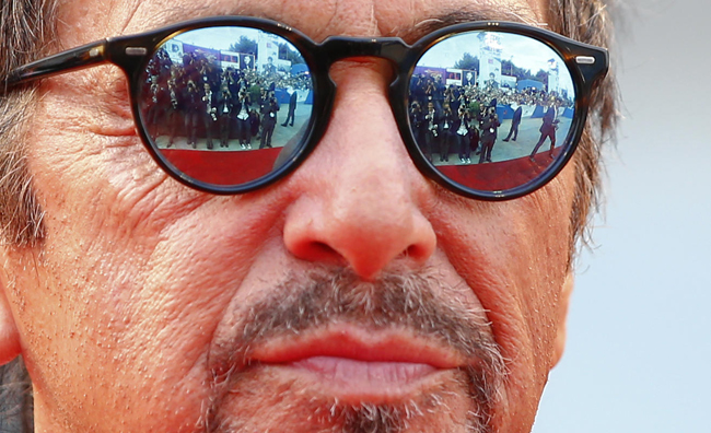 (تصاویر) آلپاچینو روی فرش قرمز ونیز