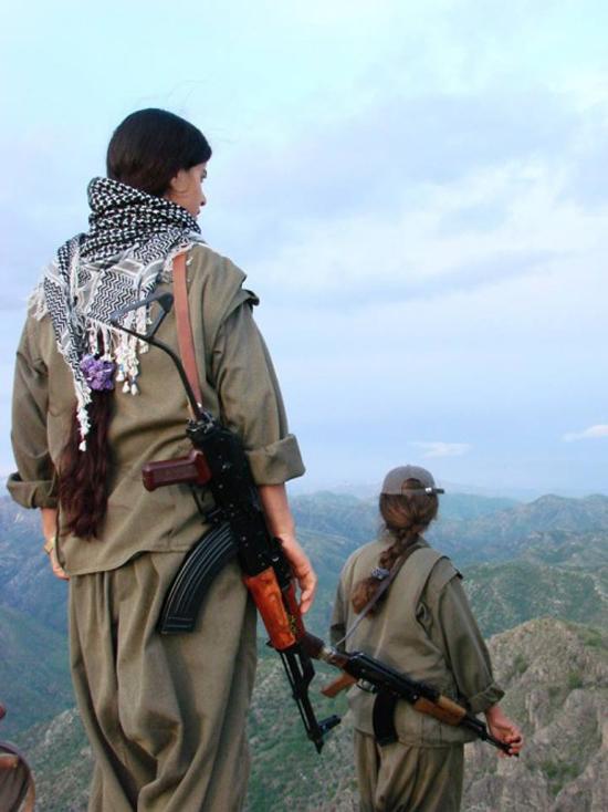 162738 856 زنان کُرد اربیل آماده نبرد با داعش (تصاویر)
