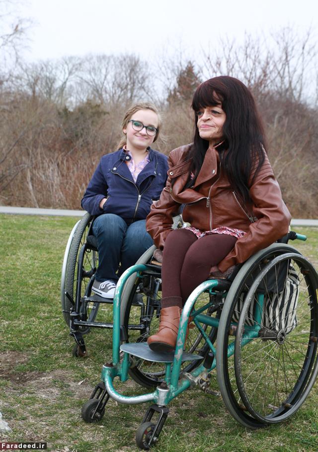 (تصاویر) مادری که دردش را با دخترش قسمت کرد