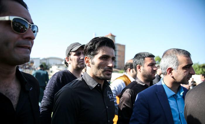 (تصاویر) بدرقه مهرداد اولادی
