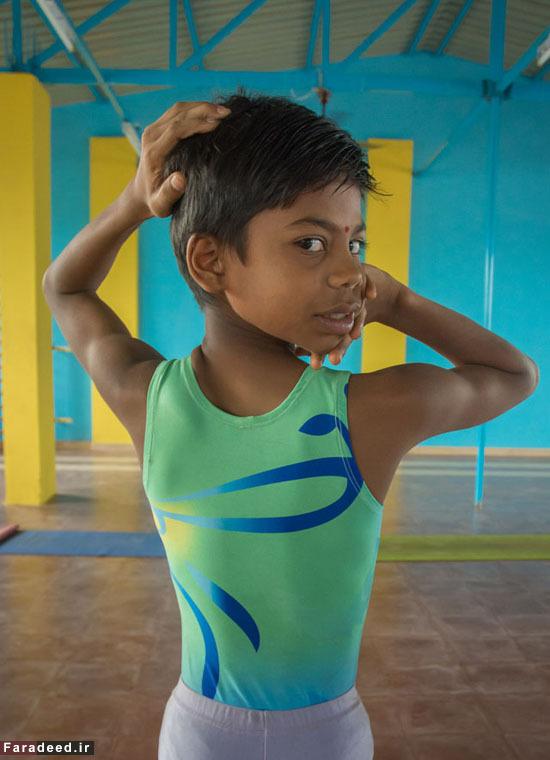 (تصاویر) انعطاف خارقالعاده بدن نوجوان هندی