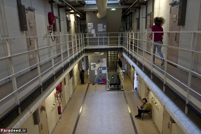 (تصاویر) پر کردن زندان با آوارگان