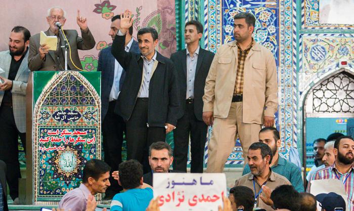 (تصاویر) استقبال از احمدینژاد در ملارد