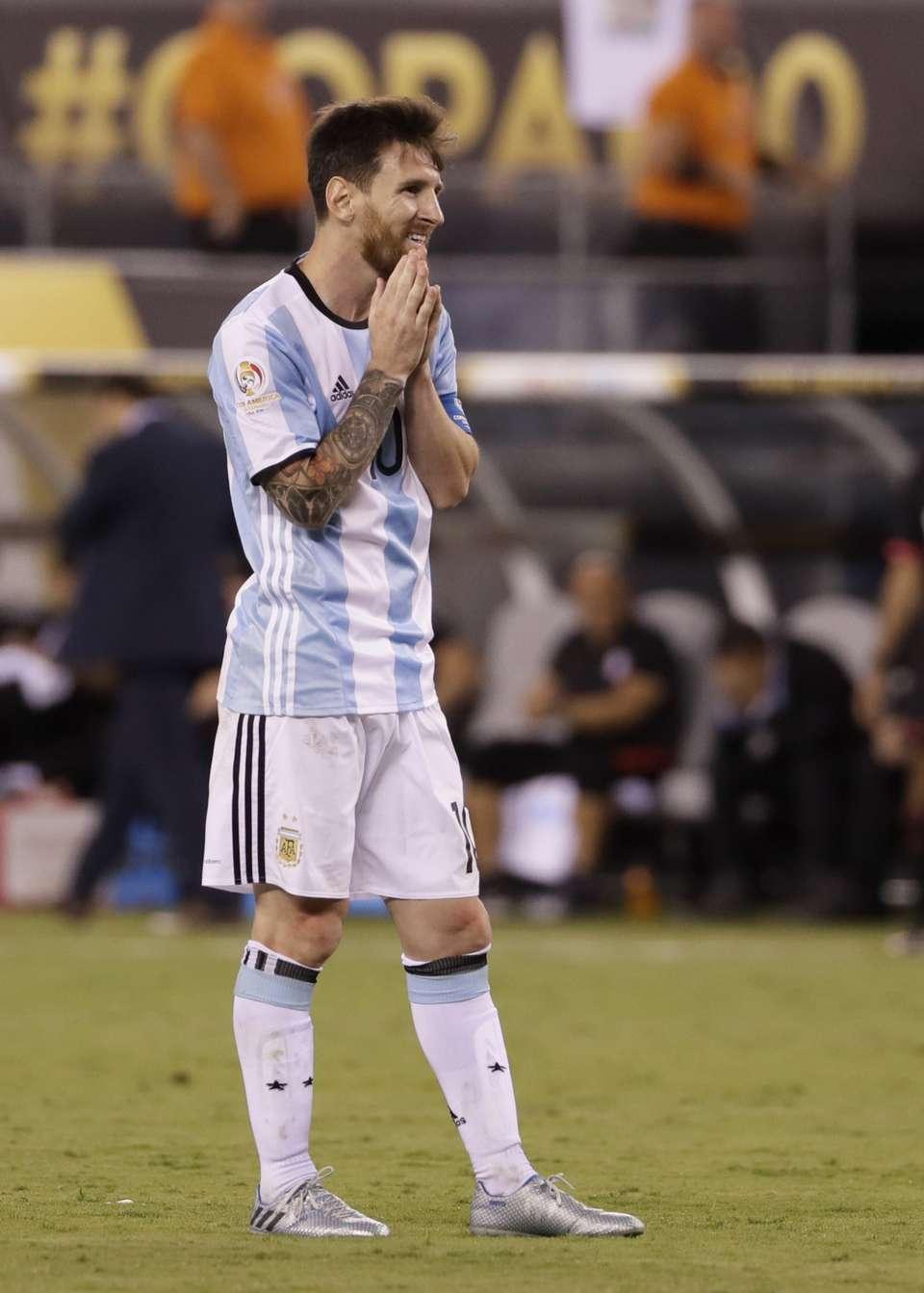 (تصاویر) وداع تلخ مسی