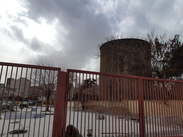 اگر این برج فروبریزد، تاریخمان فرومیریزد