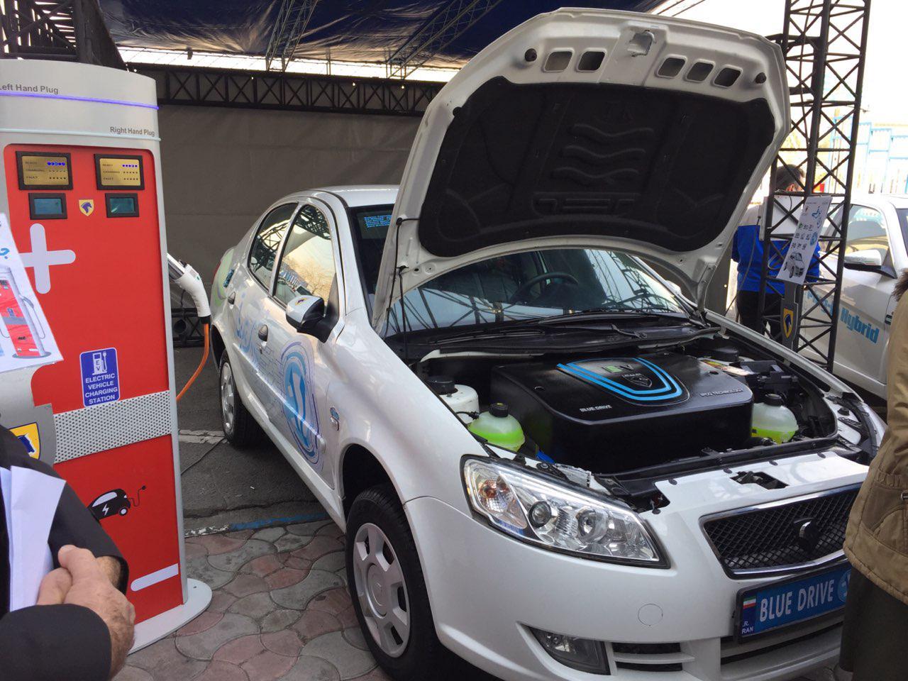 (تصاویر) اولین خودروی تمام برقی ایرانی رونمایی شد