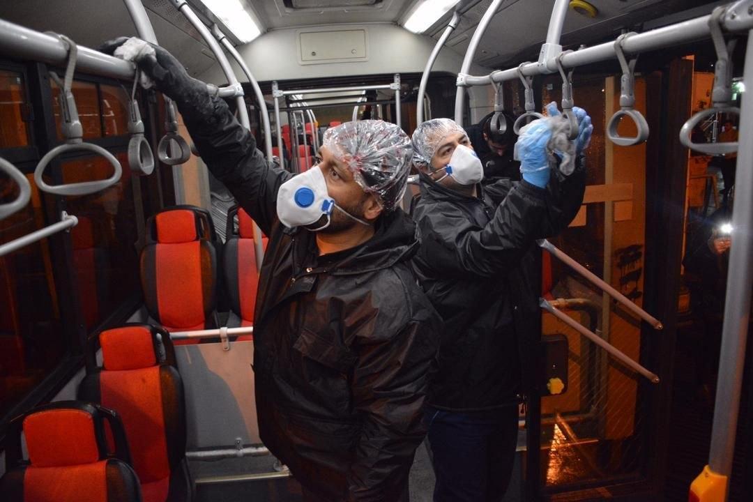 (تصاویر) ضدعفونی کردن اتوبوسهای تهران