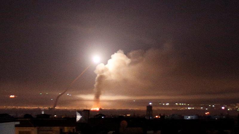 حمله موشکی اسرائیل به جنوب غرب سوریه؛ ۱۰ نظامی کشته و زخمی شدند