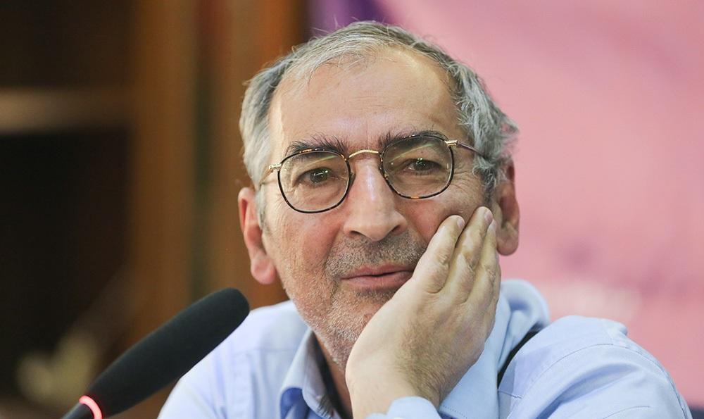 زیباکلام: اگر آمریکا به ایران حمله کند، اسلحه دست میگیرم!!!!!!!!