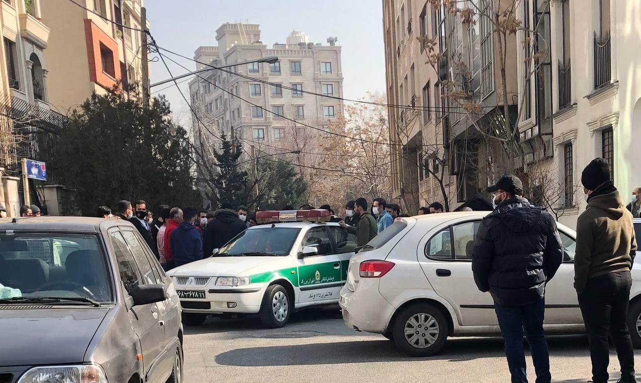 ورود پلیس به تجمع پرسپولیسیها