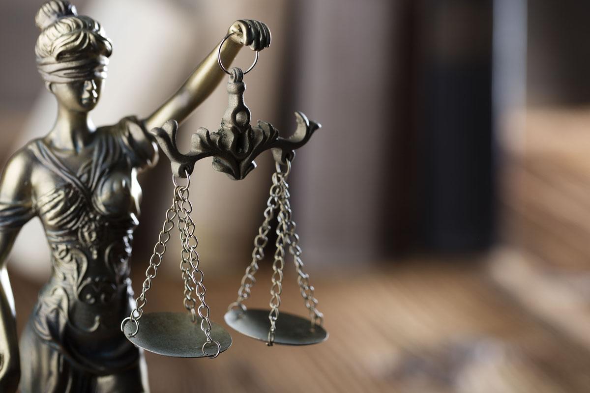 وکیل کیفری و عملکرد او در پرونده ها