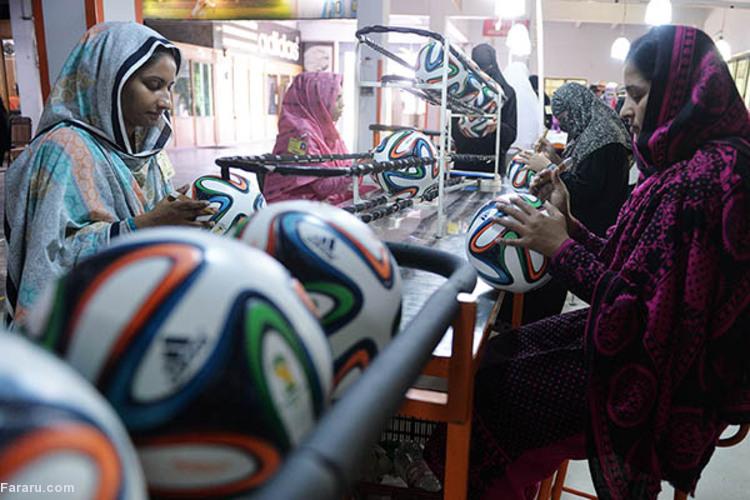 (ویدئو) بزرگترین قطب تولید توپ فوتبال در جهان