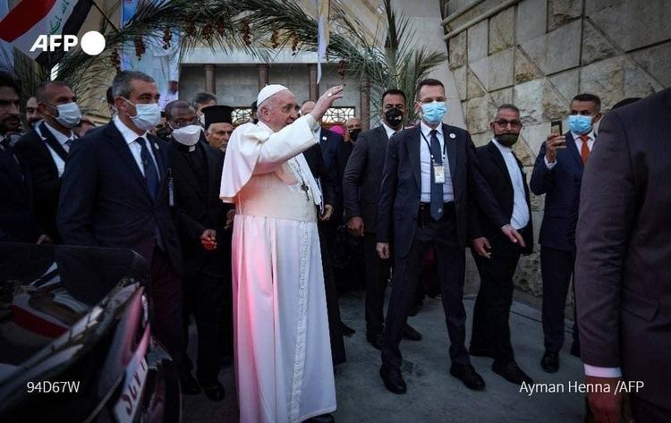 (ویدئو) پاپ به دیدار آیتالله سیستانی رفت