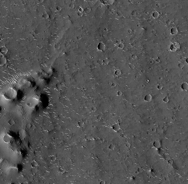 882156 535 - اولین تصاویر کاوشگر چینی از مریخ منتشر شد