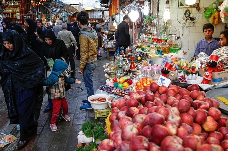 کاهش ۳۰ تا ۳۵ درصدی خرید میوه و مواد غذایی