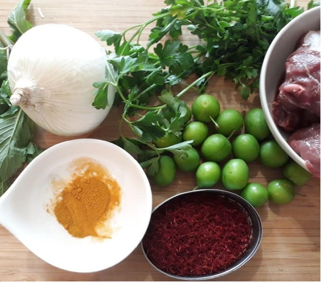 طرز تهیه خورشت گوجه سبز؛ خورشتی بهاری و خوشمزه