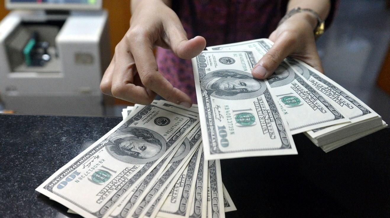 وعده رئیس کل درباره کاهش نرخ دلار؛ آیا ارز آرام میگیرد؟