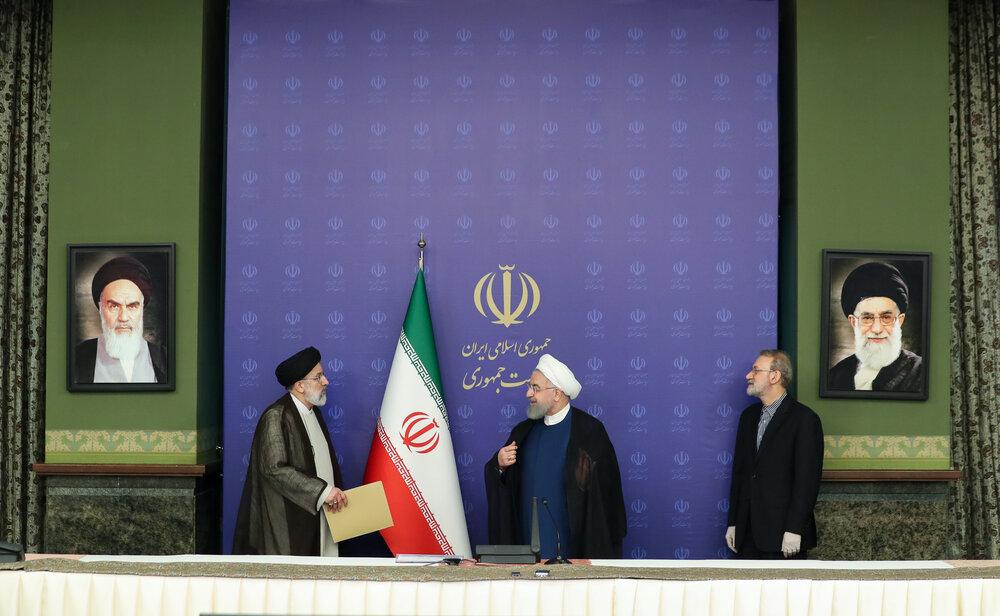 آخرین عکس لاریجانی با روحانی و رئیسی در جایگاه رئیس مجلس