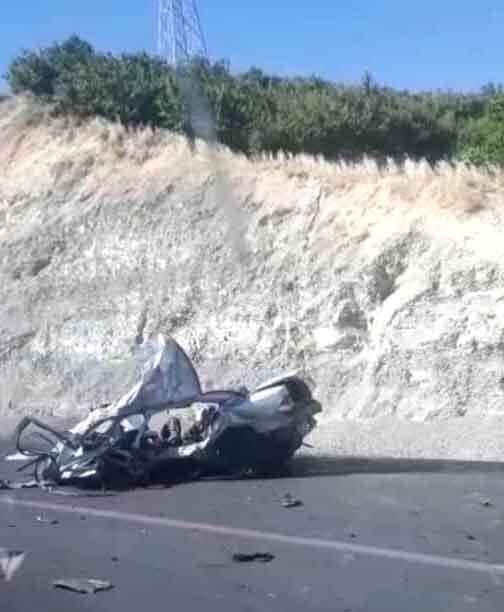 (عکس) مرگ تلخ پدر و مادر و ۲ فرزند در تصادف؛ سمند لِه شد!