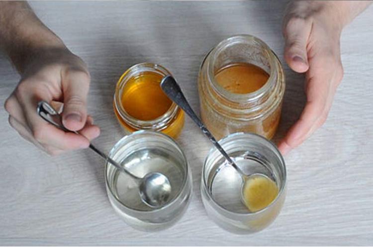 چگونه میتوان عسل طبیعی را تشخیص داد؟