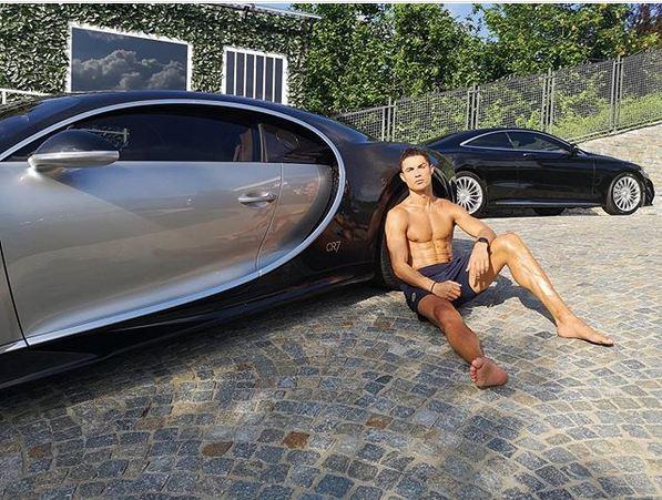 (عکس) آفتاب گرفتن رونالدو با خودروی ۳ میلیون یورویی