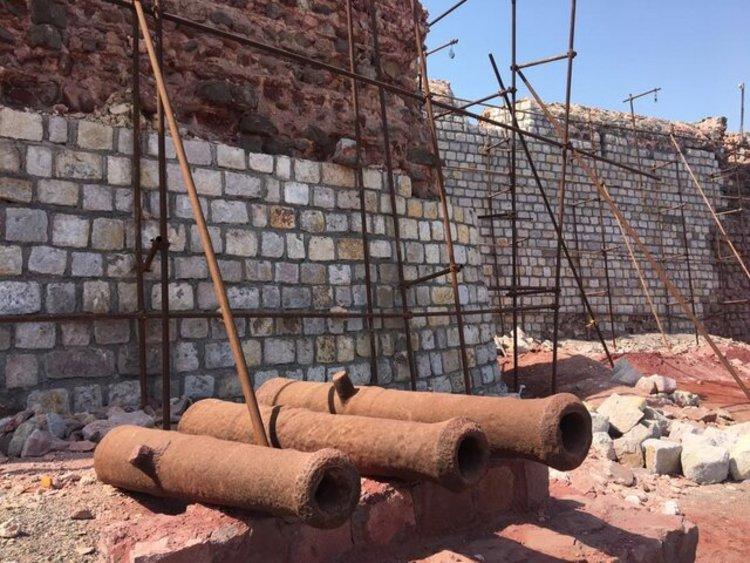 (تصاویر) فاجعه در مرمت قلعه پرتغالیها