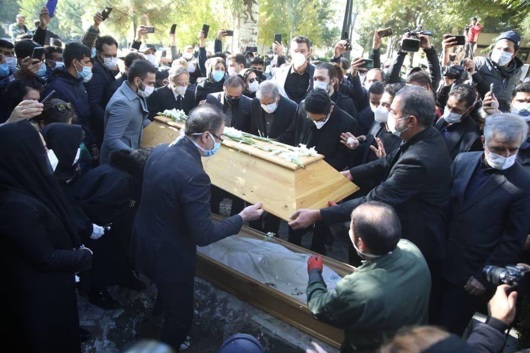 متن و حاشیه مراسم خاکسپاری استاد محمدرضا شجریان