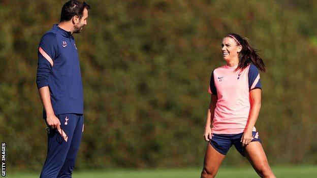(عکس) ستاره محبوب فوتبال زنان، مطرحتر از تیمی که در آن بازی میکند
