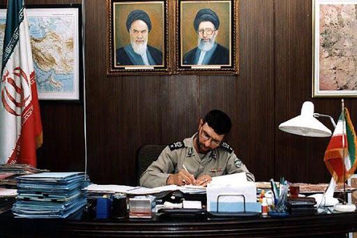 (ویدئو) تیمسار احمدی دادبین فرمانده اسبق نیروی زمینی ارتش به دنبال اجاره خانه؛ تیمسار دادبین کیست؟